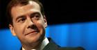 Медведев требует отставки чиновников за провал сборной