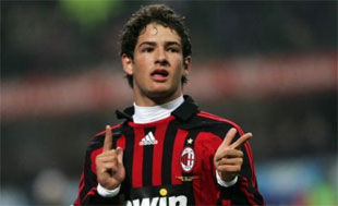 Пато не собирается уходить из Милана