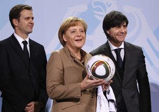 Теперь официально: Германию на Евро-2012 поведет Йоахим Лев