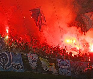 Фанаты Зенита сожгли турецкий флаг