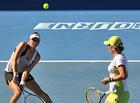 Звонарева и Кузнецова выиграли AO-2012 в парном разряде