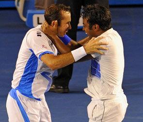 Паес и Штепанек выиграли парный турнир Australian Open