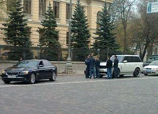 Джип Шевченко протаранил BMW Алиева +ФОТО