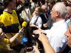 Шведский болельщик проспорил Азарову