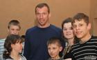 Горяинов и Олейник встретились с детьми-сиротами