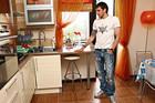 Попов показал свою квартиру