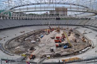 На НСК Олимпийский продолжается процесс монтажа поля