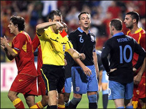 Уэйн Руни извинился перед УЕФА за удаление