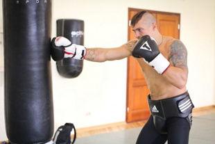 Украинские боксеры к Олимпиаде выстригли казацкие чубы