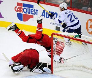 НХЛ. Матчи четверга: пас Федотенко
