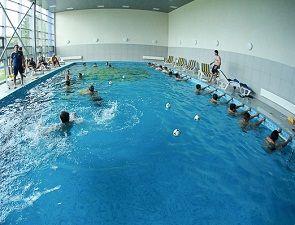 Металлист: занятия в бассейне и день рождения Горяинова+ФОТО
