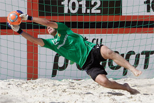 Украина вторая на турнире по пляжному футболу в Беларуси