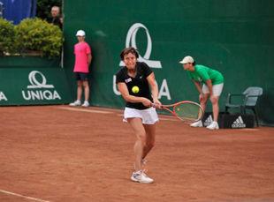 Мойсбургер переиграла Шиперс и вышла в финал в Будапеште