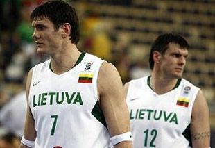 Будивельник пытается купить Поповича и братьев Лавриновичей