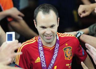 Андрес ИНЬЕСТА: «Не соперничаю с Месси за Золотой мяч»