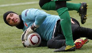 Основной голкипер Болгарии пропустит матч против Украины