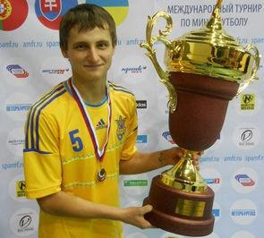 Максим ЛИТВИНОВ: «Первый тренер был для меня как отец»