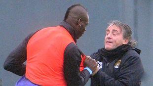 Балотелли повздорил с Манчини на тренировке + ФОТО