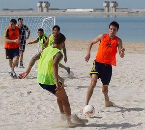 Металлист: тренировка на песке и двойной хет-трик Шуховцева