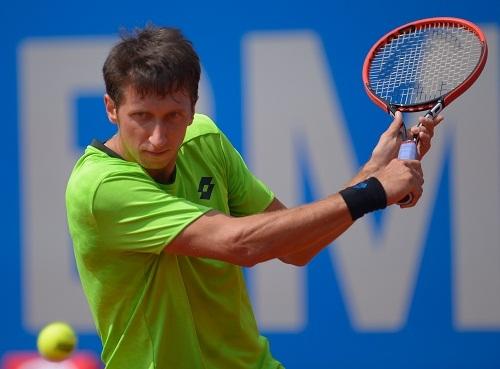 Сергей Стаховский вышел во второй раунд турнира в Лондоне