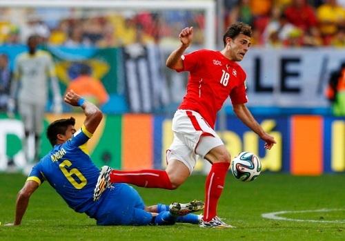 Мехмеди забивает, Швейцария побеждает