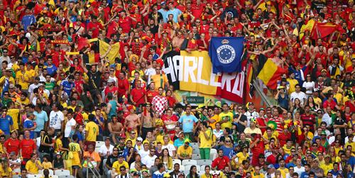 Бельгийские полицейские поддерживают национальную сборную