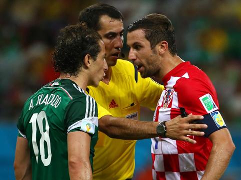 Мексика уверенно обыгрывает Хорватию и выходит на Голландию