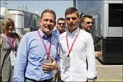 Red Bull и Mercedes сражаются за Макса Ферстаппена