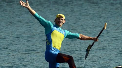 Чемпионский заплыв Чебана и гимн Украины в Москве. ВИДЕО