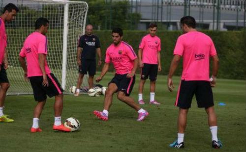 Суарес провел первую тренировку с Барселоной