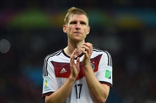 Пер Мертезакер ушел из сборной Германии