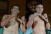 Усик и Узелков уложились в вес и готовы к боям
