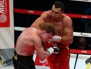 Кличко выставит боксерские трусы Поветкина на аукцион