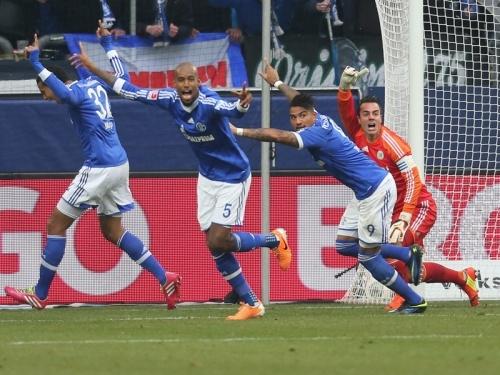 Шальке продолжает побеждать, Бавария радует Алльянц-Арену