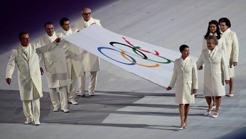 Киберспортсмен пронес флаг на церемонии открытия Олимпиады