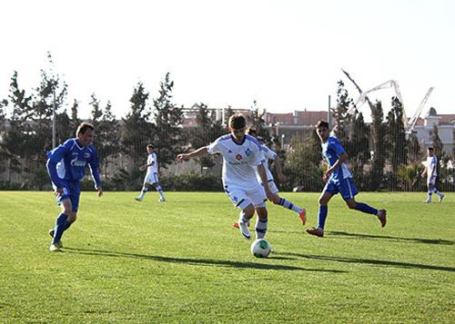 Динамо-2 справилось с российским Сахалином