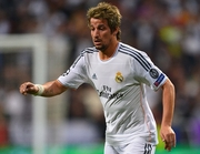 Манчестер Юнайтед летом подпишет защитника Реала