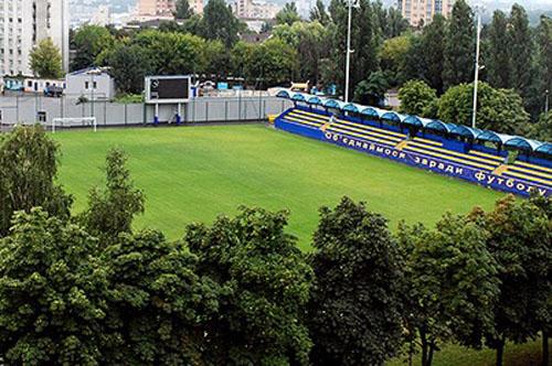 Динамо сыграет в белом, Олимпик — в синем