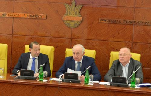 Клубам УПЛ разрешили не погашать долги до конца года