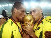 43-летний Ривалдо планирует возобновить карьеру