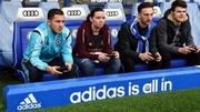Азар и фанаты заняли место Моуриньо, чтобы сыграть в FIFA 15