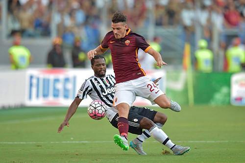 Рома наносит поражение Ювентусу в Риме