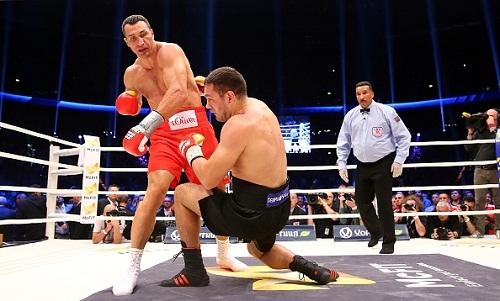Бой Кличко – Пулев попал в топ-10 поединков года канала HBO