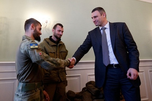 Братья Кличко потратили $200 тысяч на украинскую армию