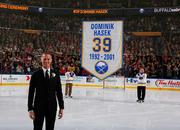 НХЛ. В Баффало увековечили Доминатора. Матчи вторника