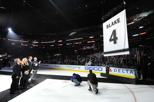 НХЛ. Лос-Анджелес увековечил Блейка. Матчи субботы