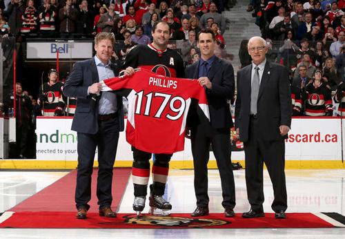 НХЛ. 100 очков МакБэйна, 1179 игр Филлипса. Матчи четверга