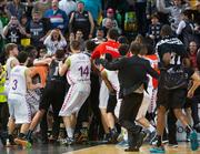 Испанские баскетболисты устроили массовую драку