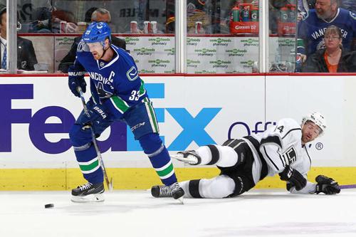 НХЛ. 700 передач Хенрика Седина. Матчи понедельника