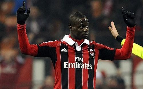 Балотелли хочет остаться в Милане